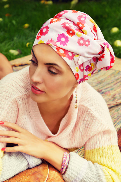 Sapphire - Turban polyester with long tape-removable - pink with daisies 3008-0600