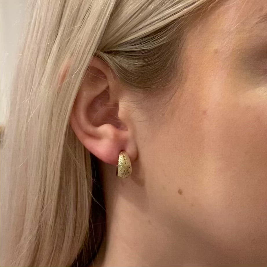 ellis mhairi Cameron gold hoop earrings