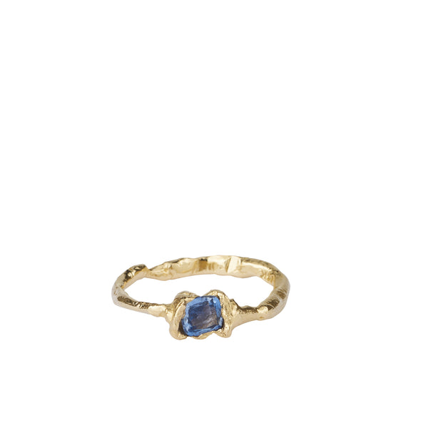 ALICE WAESE | AETHRA RING | BLUE SAPPHIRE ADN GOLD RING | AETLA JEWELLERY