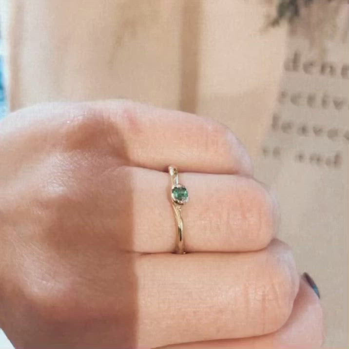 ALICE WAESE GREEN EMERALD ROWENA RING