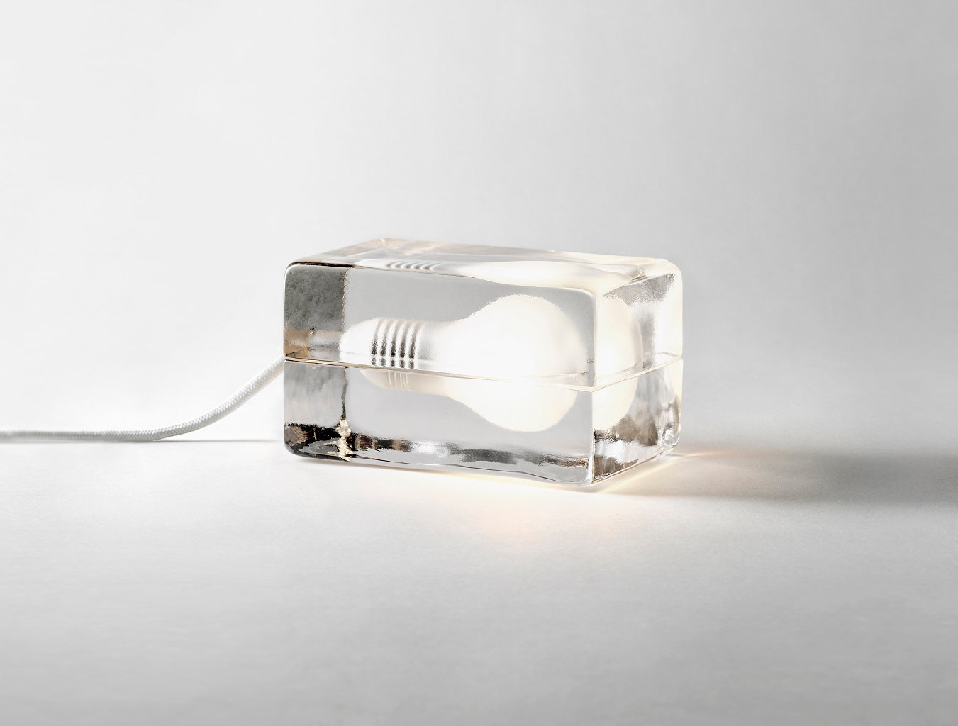 Block lamp cavo bianco di Design House Stockholm