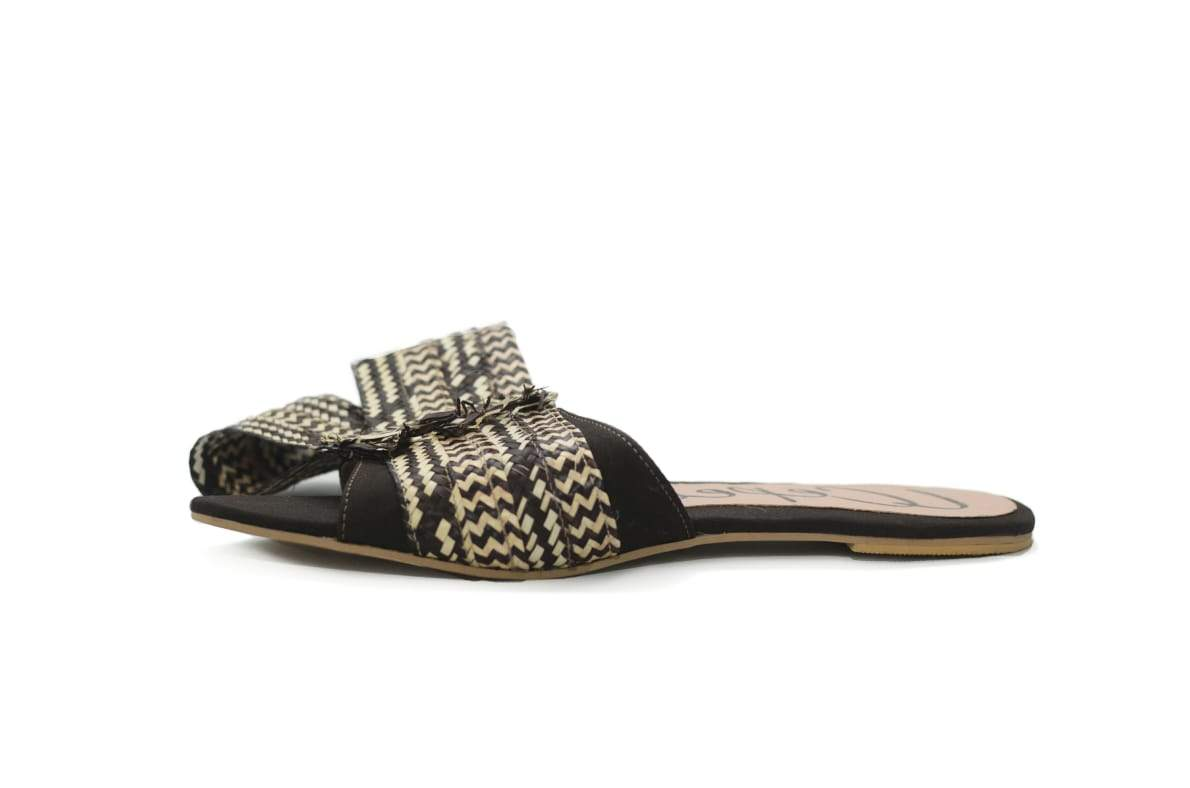 TUYIN TRADITIONAL BLACK FLATS SANDALS - LOOP NATURAL