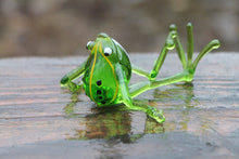 Load image into Gallery viewer, Frog glass Miniature, Animals Glass, Art Glass, Blown Glass