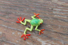 Load image into Gallery viewer, Blown Glass Frog Sculpture poison dart frog Figurine murano art collectible