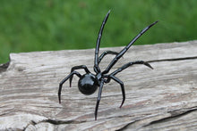 Load image into Gallery viewer, Glass Hand-Blown Glass Spider Collectible Figurine