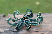 Load image into Gallery viewer, Blown Glass Octopus Sculpture