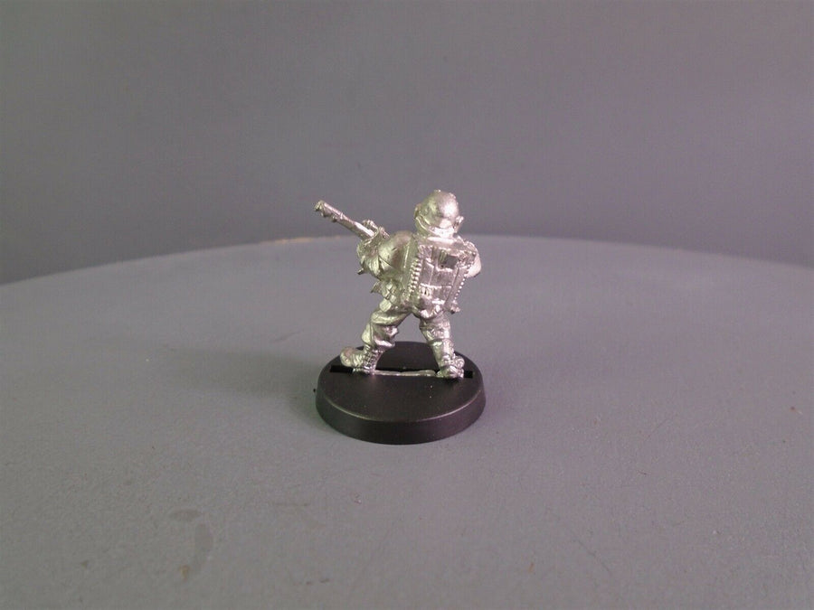 Rogue Trader   Army Medic with Las-gun 920