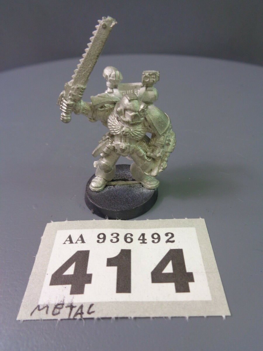 Space Marines Metal Apothecary 414