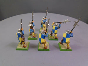 Men At Arms Halberdiers 68