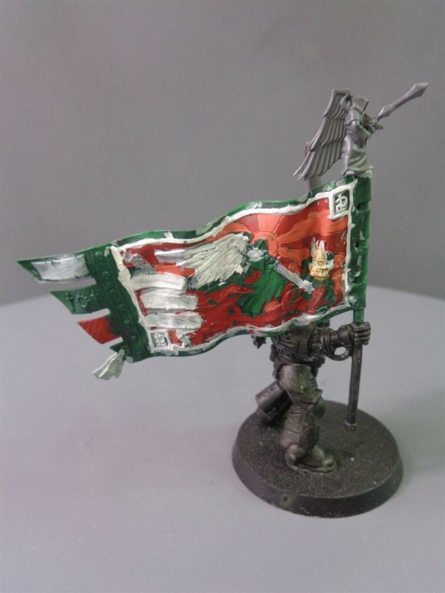 Primaris Dark Angels Ancient Lieutenant Banner