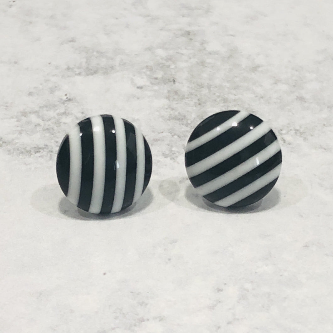 12mm Black and White Round Stud Earrings - Bold & Bright Boutique