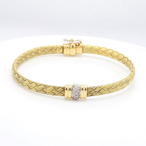 0.15ctw Pave Diamond Center Bracelet