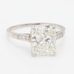 4.03ct H SI1 Radiant Cut Diamond Ring - IGI Certified