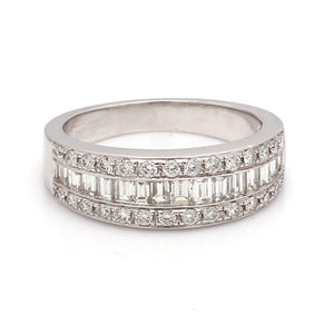 0.87ctw Baguette and Round Brilliant Cut Diamond Band
