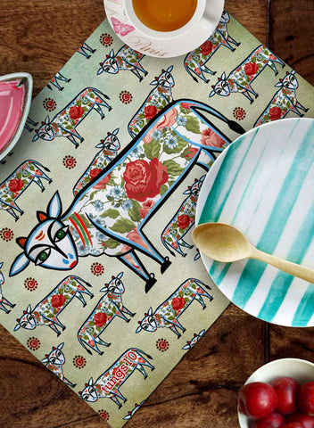 COWS AND ROSES TABLEMATS