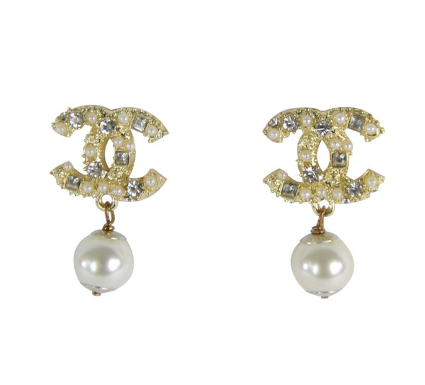 Crystals and Pearls Strass  CC Interlock Drop Earrings