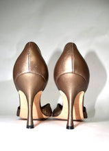 Load image into Gallery viewer, Manolo Blahnik | Bronze Pump 6/36