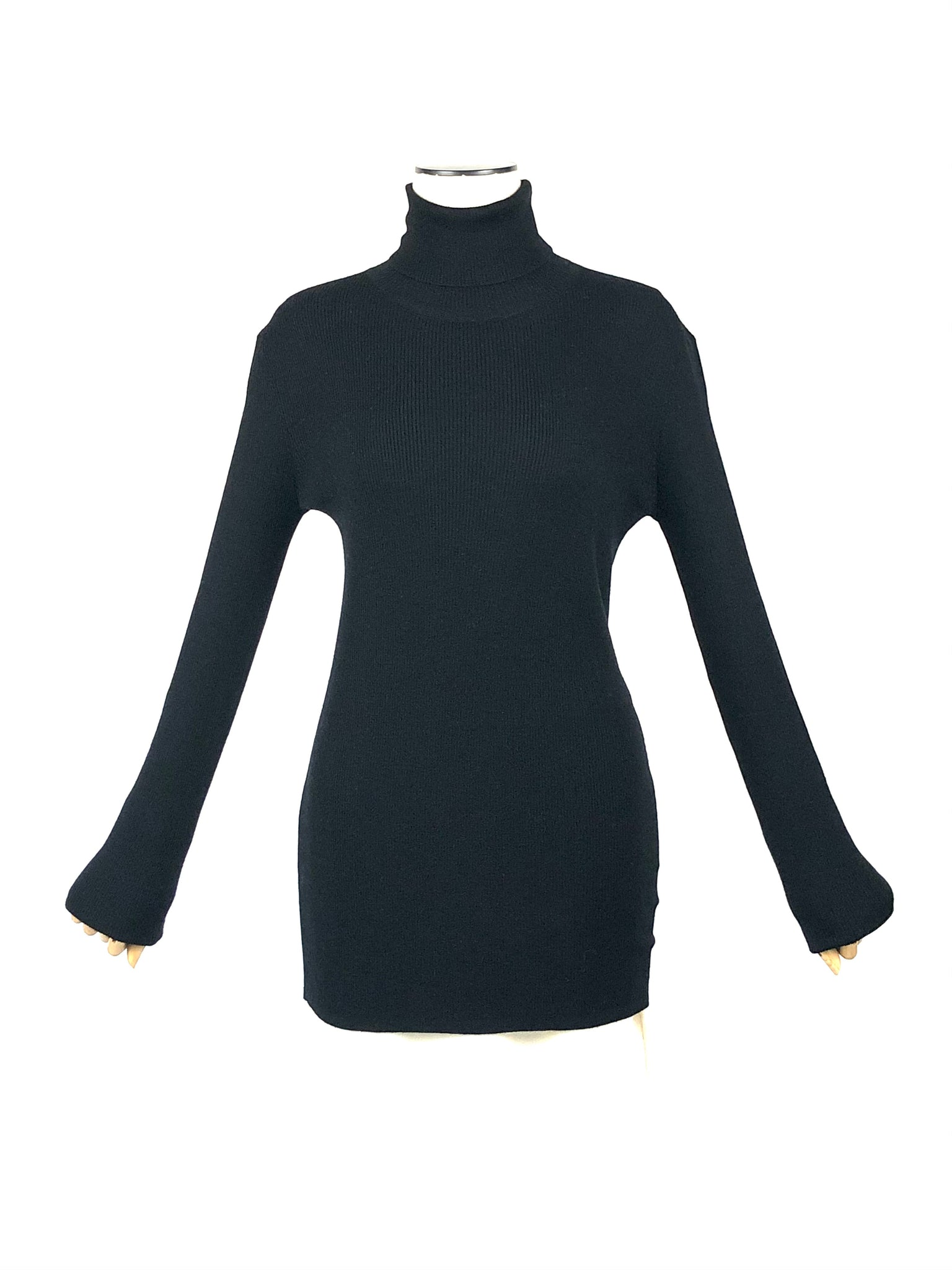 Wool Feather Weight Ribbed Turtleneck Sweater  | Size L