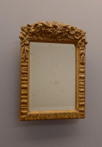 Early 20th Century English Gilt Mirror with Floral Decoration