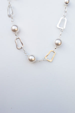 Short Pearl and Square Disk Necklace
