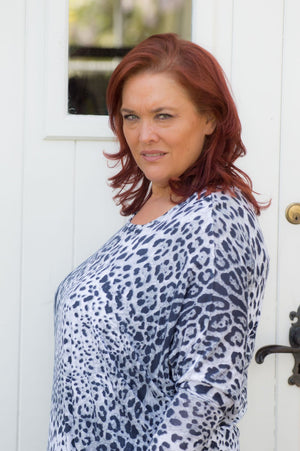 Light Grey Leopard Print Top Curve