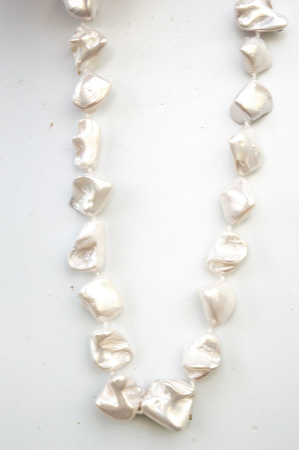 Short Pearlescent Stone Necklace