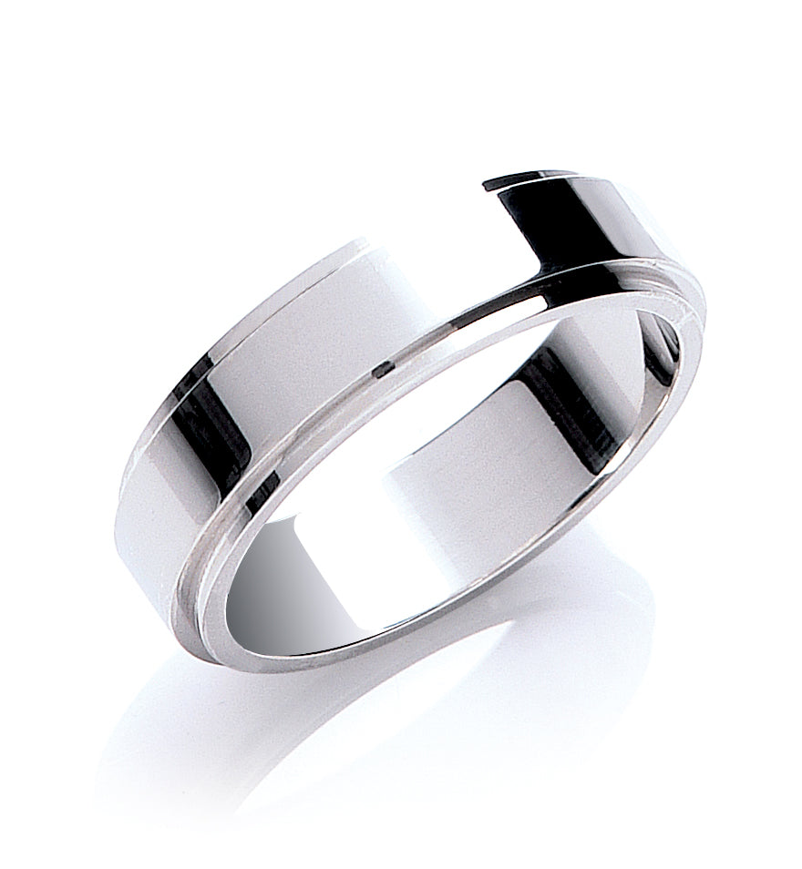 Flat Court Step Cut Wedding Ring