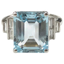 Load image into Gallery viewer, 18 Carat White Gold Aquamarine and Diamond Ring