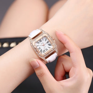 Fashion Ladies Watch Bracelet Set Casual Leather Quartz Watch (No Box)