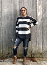 Load image into Gallery viewer, Oversized Striped Shirt