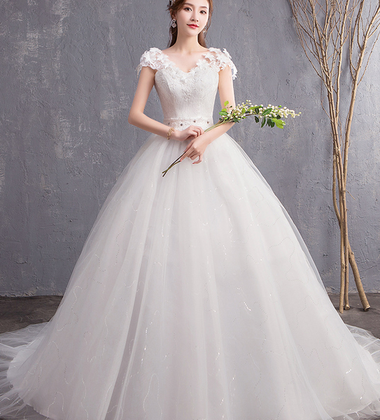 Sleeveless V-neck A-Line White Bridal Wedding Dress Chapel Train Embroidered - DressMaid Store