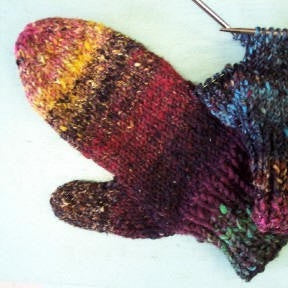 Iro Mitts Pattern FREE