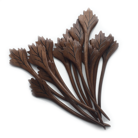 Nature's Wonders Shawl Pins: Maple Leaf