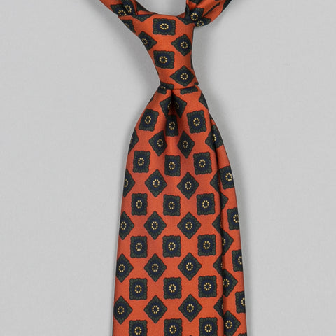 BAROQUE MEDALLION PRINT 30OZ MADDER SILK TIE ORANGE