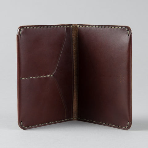 PASSPORT WALLET OXBLOOD