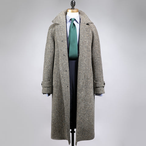 MAGEE 1866 WOOL RAGLAN COAT HERRINGBONE DONEGAL TWEED BLACK/CREAM