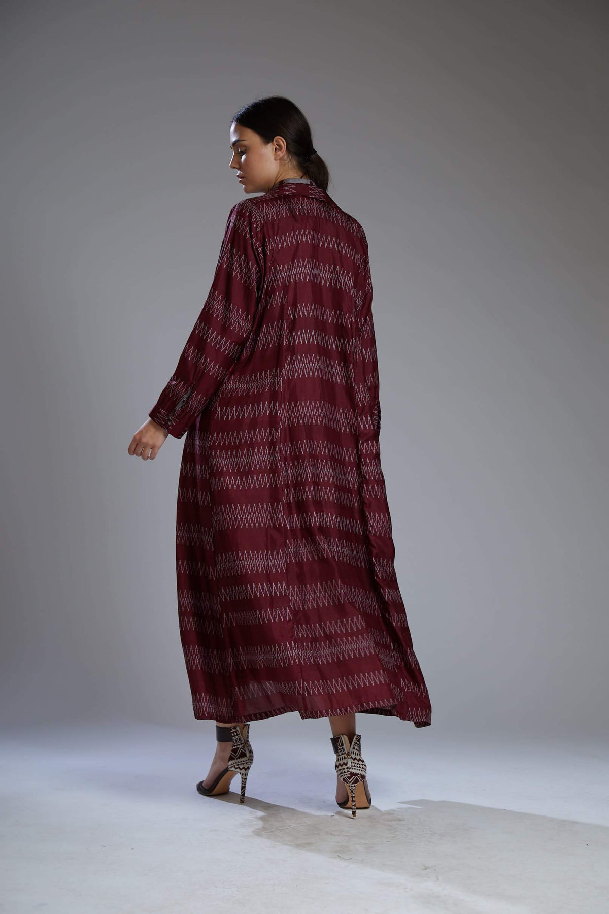 Koai Capes Wine and grey zig zag cape