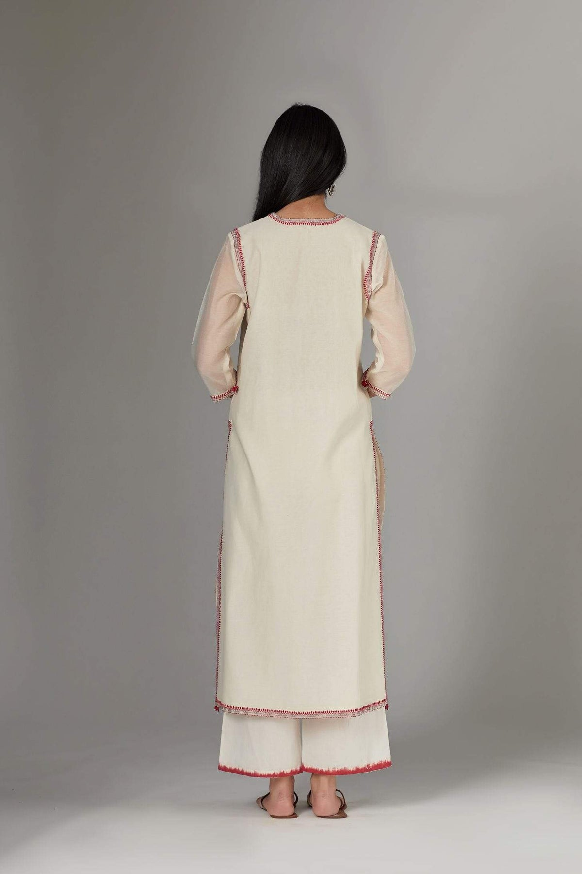 Kora Kurtas Straight kurta with contrast thread embroidery