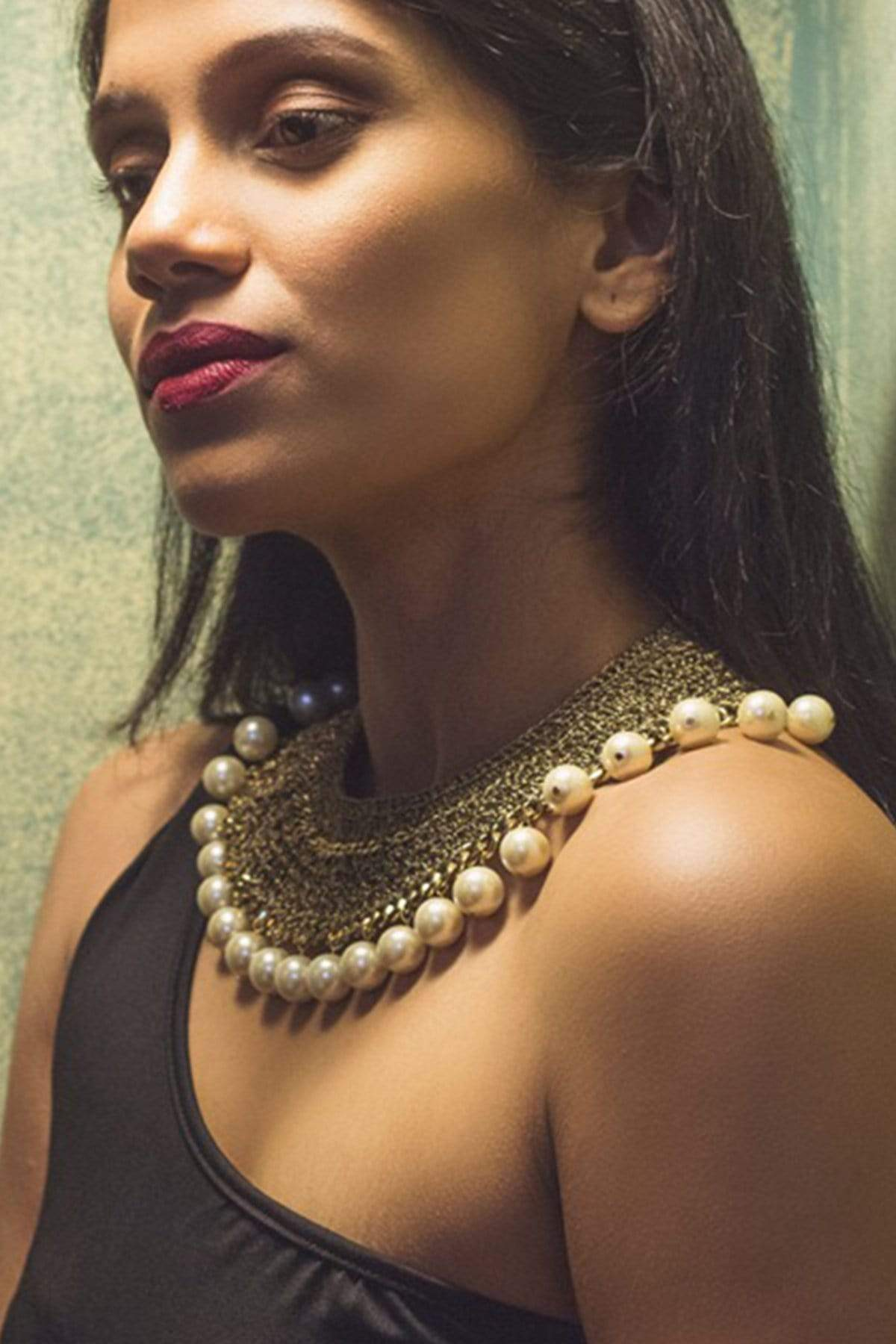 Mayabazaar Jewellery Brass and pearls necklace