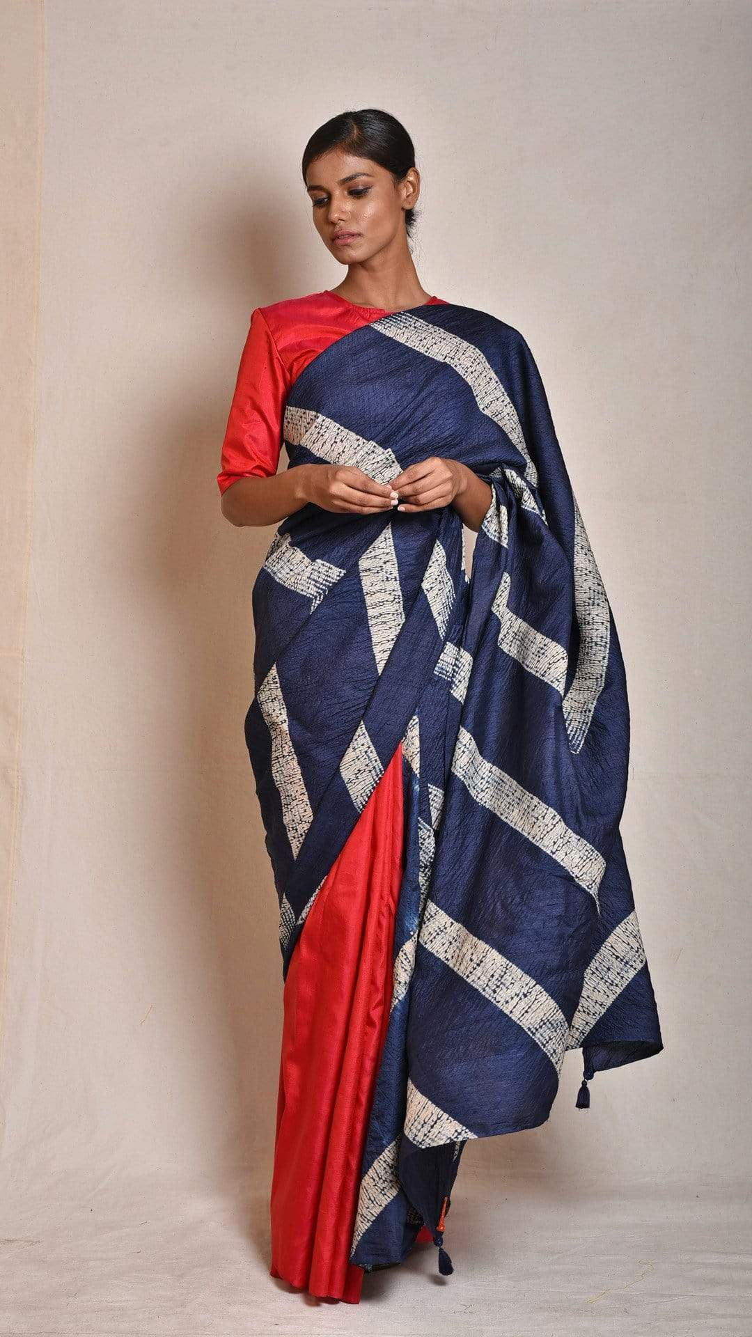 Medium Sarees Navy-red Shibori Tussar Saree