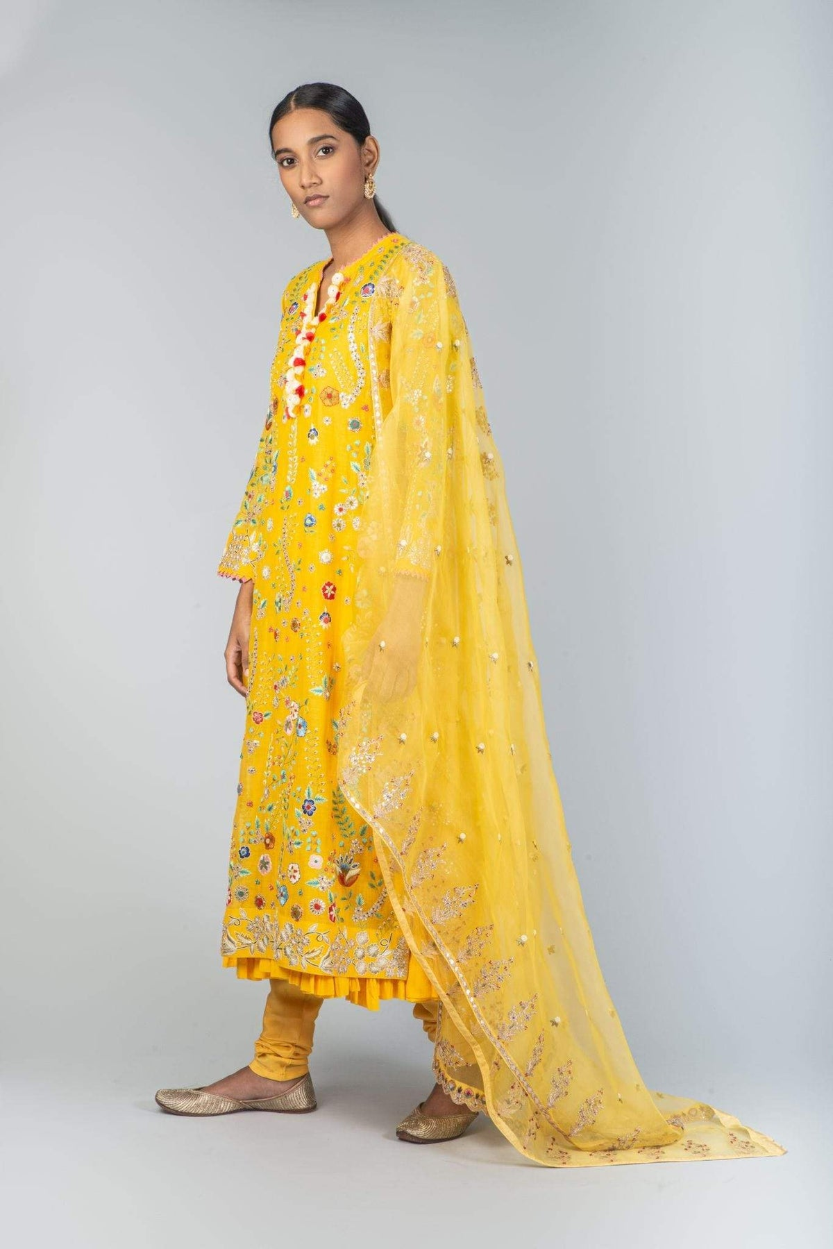 Nidhi Tholia Kurtas Yellow embroidered kurta set