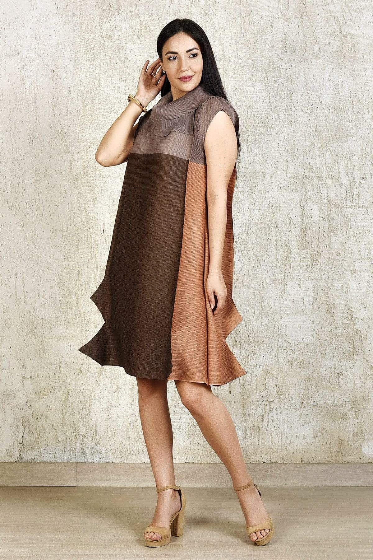 Tasuvure Dresses Origami dress in shades of brown