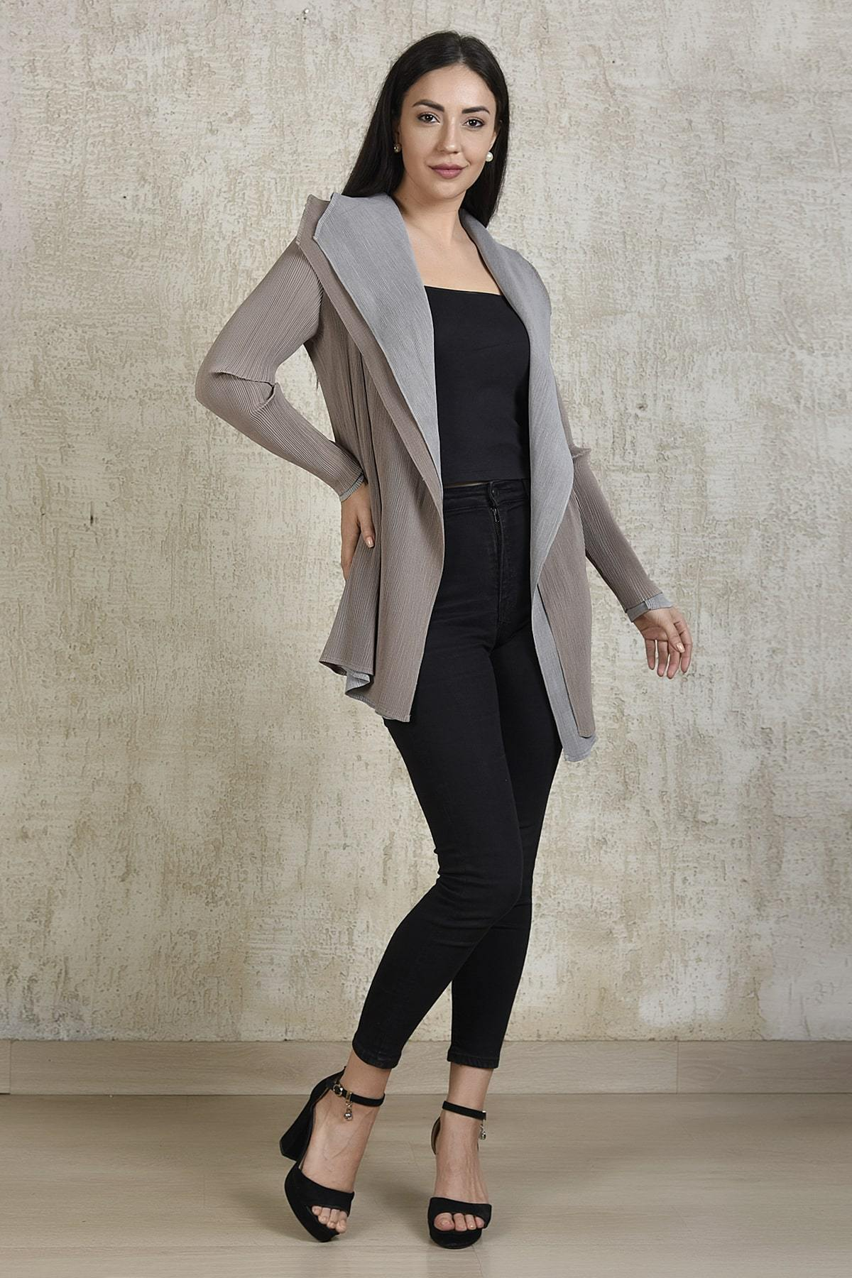 Tasuvure Jackets Reversible jacket in beige and grey