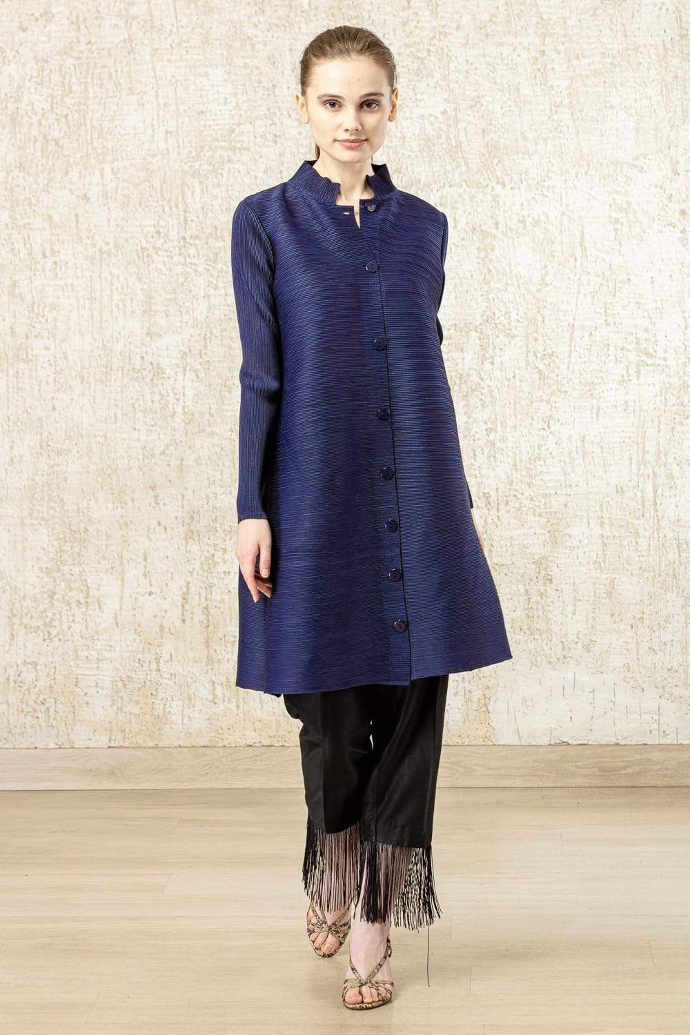 Tasuvure Tunics Pleated band gala tunic in navy blue