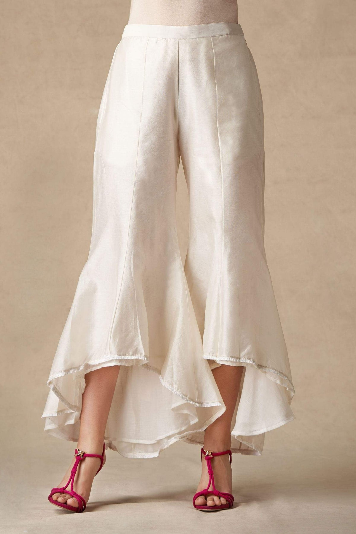 Twenty Nine Bottoms White flared tulip pants