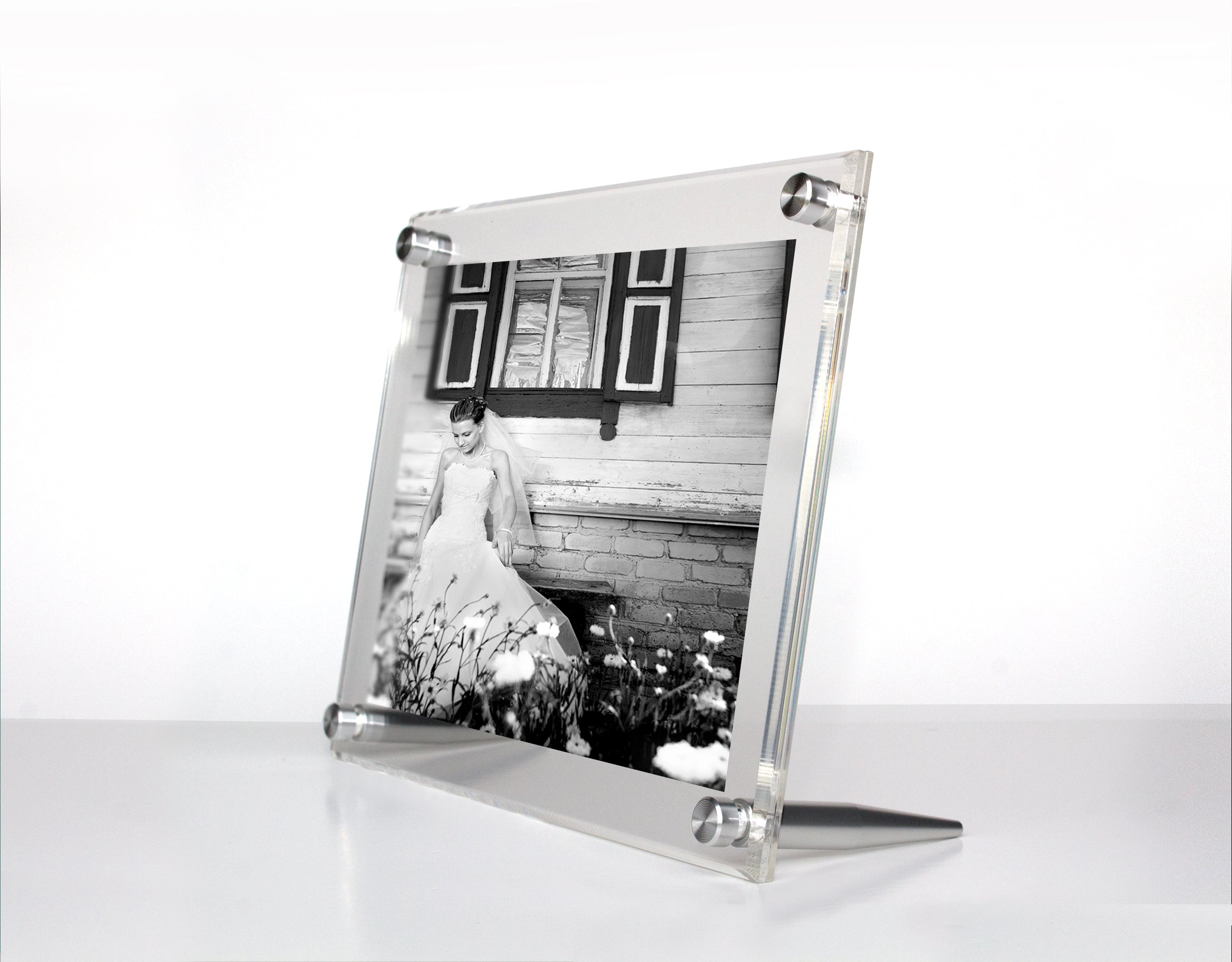 Acrylic Bevel Tabletop Float Frame for 4x6