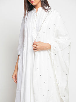 Zubeida Noor White Cotton Kurta Set with Dupatta