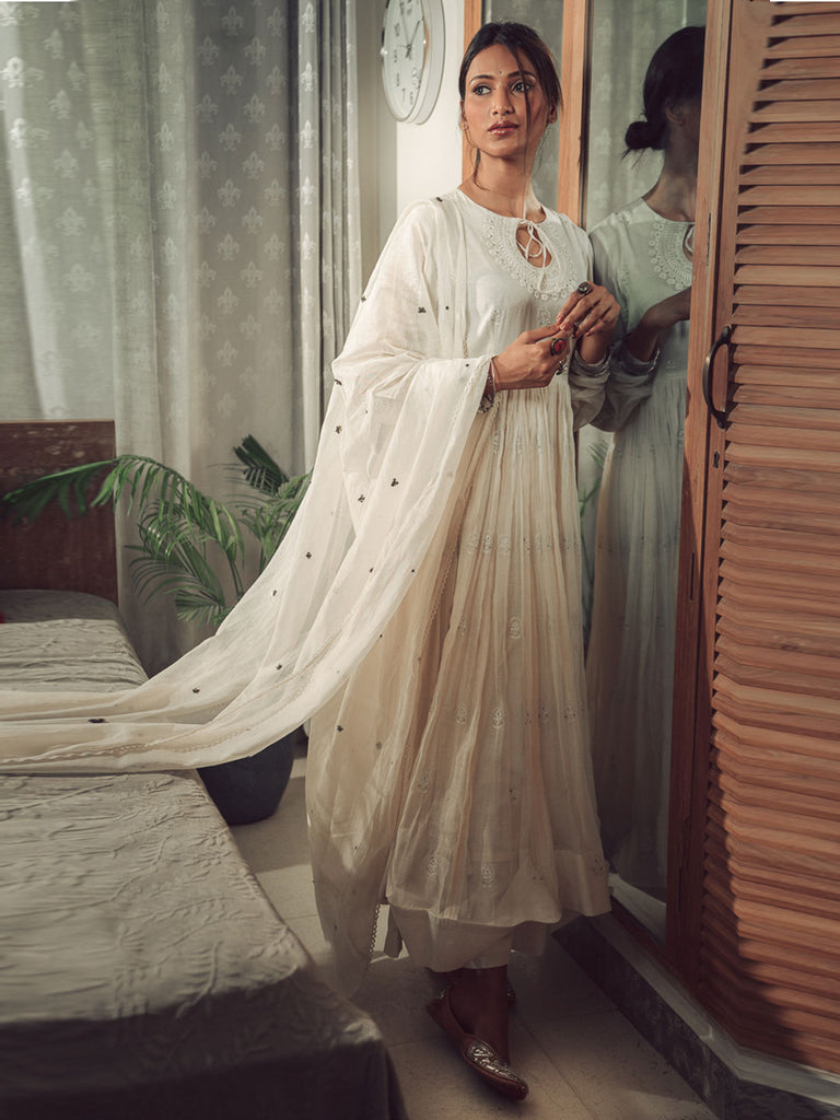 Elegant Off White Chanderi Kurta