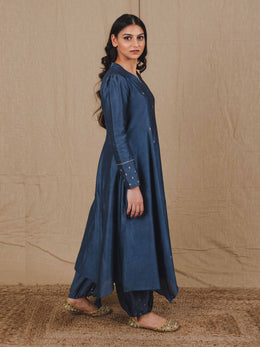 Full Sleeves Kurta with Asymmetrical Hemline