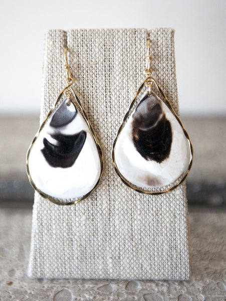 Earring {Oyster Lux}